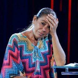 Isabel Pantoja se sostiene la cabeza en la gala 12 de 'Supervivientes 2019'