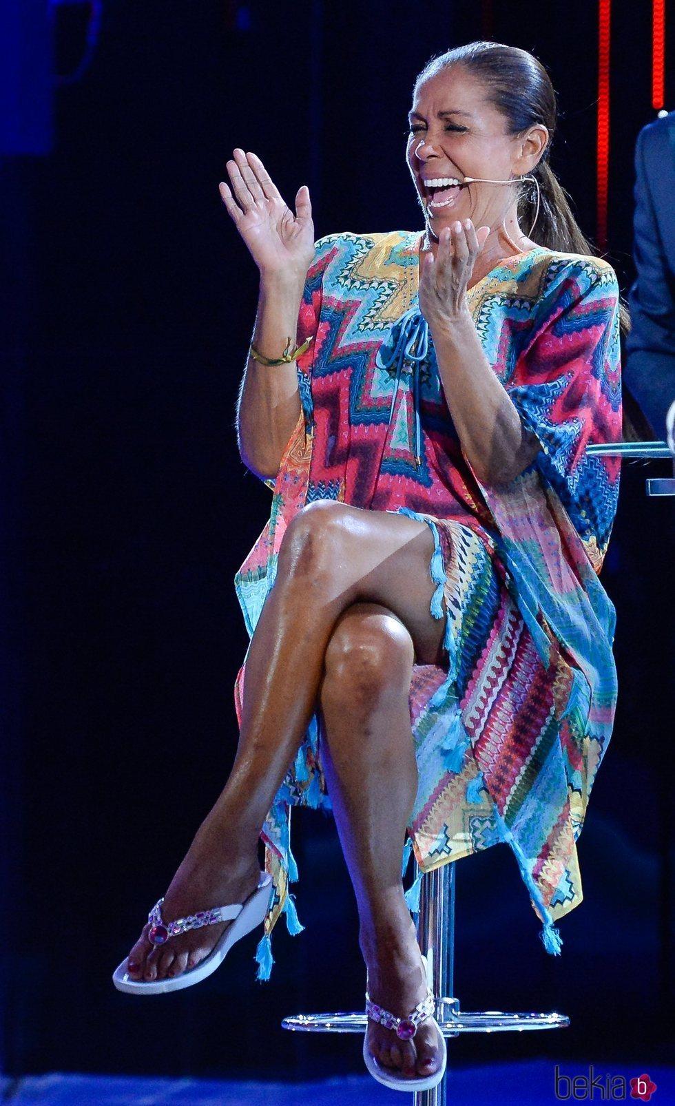Isabel Pantoja, divertida en la gala 12 de 'Supervivientes 2019'