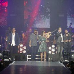 Los finalistas de 'La Voz' y sus coaches en el concierto