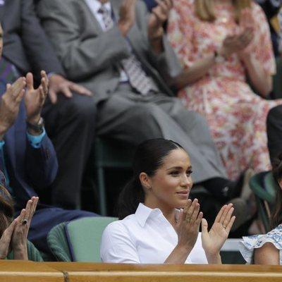 Meghan Markle con Kate Middleton y Pippa Middleton en la final de Wimbledon 2019