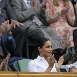 Meghan Markle con Kate Middleton y Pippa Middleton en la final de Wimbledon 2019