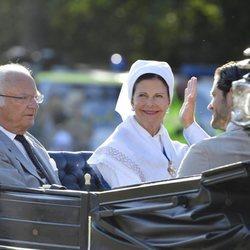 Los Reyes Carlos Gustavo y Silvia de Suecia celebrando el 42 cumpleaños de la Princesa Victoria de Suecia