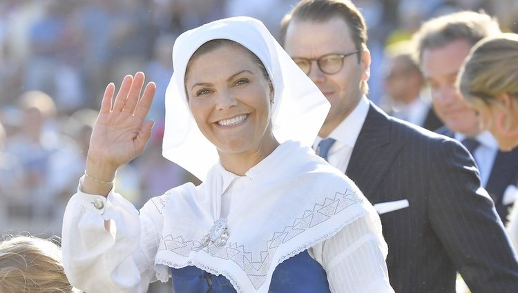 La Princesa Victoria de Suecia muy sonriente en la celebración de su 42 cumpleaños