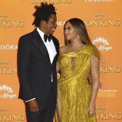 Beyoncé y Jay Z muy cómplices en el estreno de 'El Rey León' en Londres