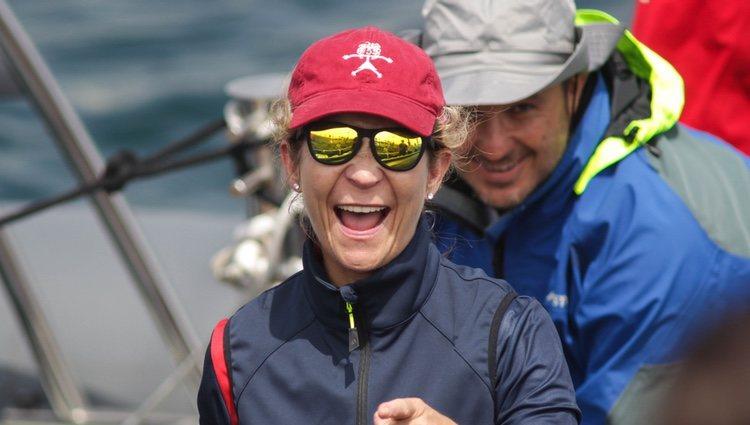 La Infanta Elena, muy feliz al quedar en segunda posición en las regatas de Sanxenxo