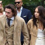 Brooklyn Beckham y Hanna Cross llegando a la final de Wimbledon