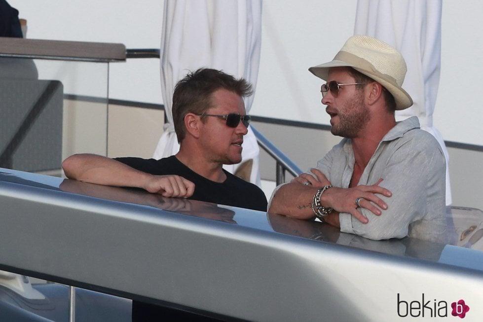 Matt Damon y Chris Hemsworth de fiesta en Ibiza