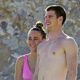 Aitana Ocaña y Miguel Bernardeau, muy cariñosos en Ibiza