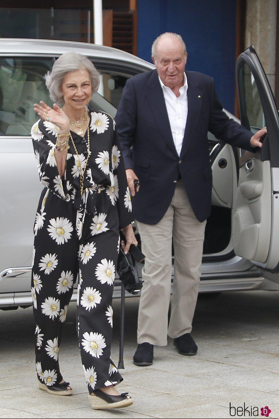 Los Reyes Juan Carlos y Sofía en una cena en Sanxenxo
