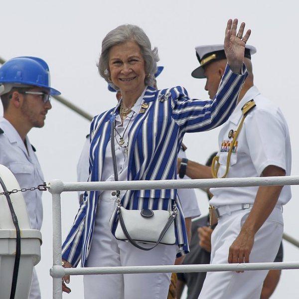 Los Reyes Juan Carlos y Sofía y la Infanta Elena, de regatas en Sanxenxo