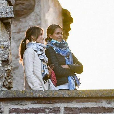 Magdalena de Suecia y Sofia Hellqvist en el Castillo de Borgholm