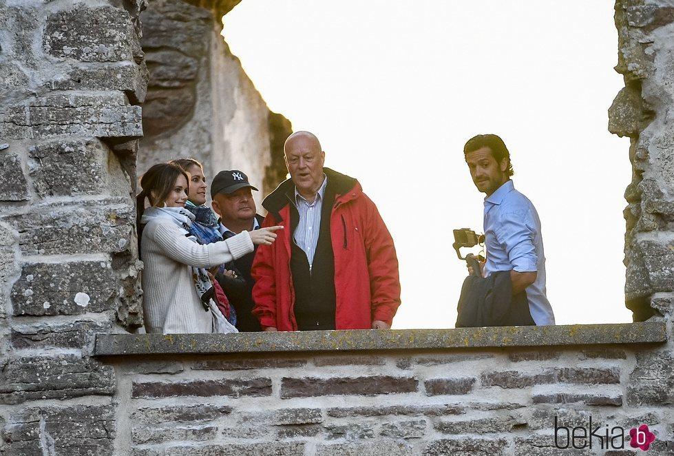 Magdalena de Suecia, Carlos Felipe de Suecia, Sofia Hellqvist y Erik Hellqvist en el Castillo de Borgholm