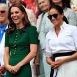 Kate Middleton y Meghan Markle ríen divertidas en Wimbledon 2019