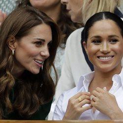 Kate Middleton y Meghan Markle, muy cómplices en Wimbledon 2019