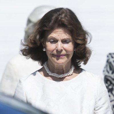 La Reina Silvia de Suecia en el funeral de una amiga