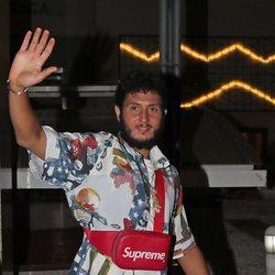 Omar Montes a su llegada a la fiesta de despedida de 'Supervivientes 2019'
