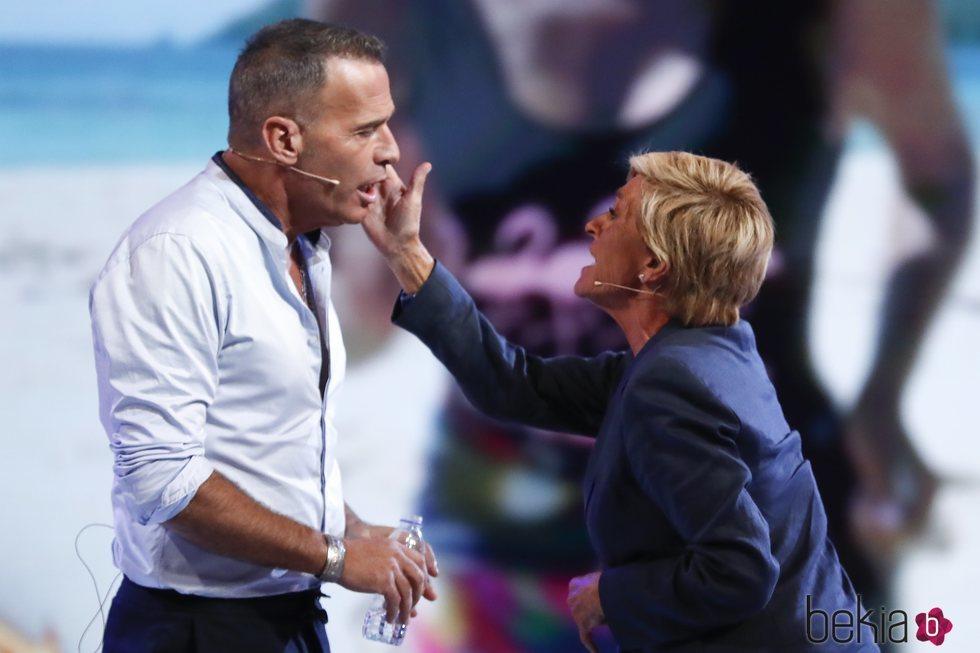 Carlos Lozano y Chelo García Cortés se enfrentan en el debate final de 'Supervivientes 2019'