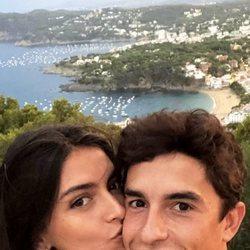 Lucía Rivera y Marc Márquez disfrutando de sus vacaciones en la costa catalana