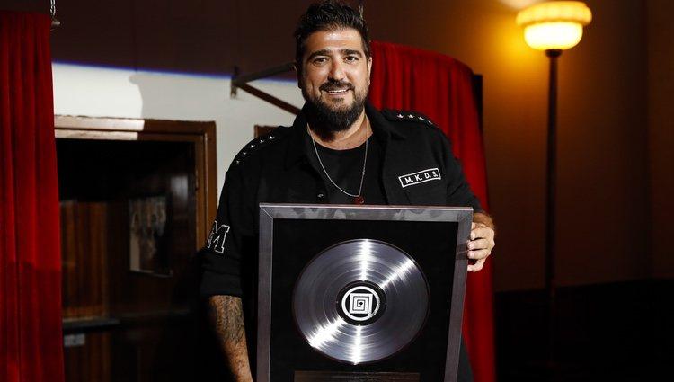 Antonio Orozco recibe el 'Disco de Diamante'