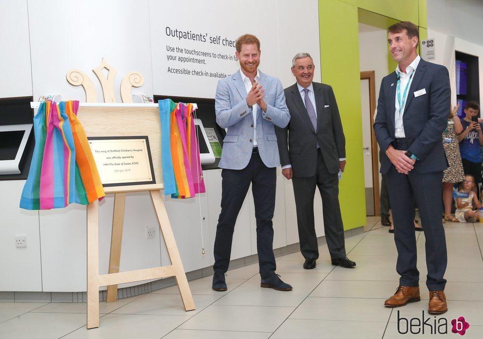 El Príncipe Harry inaugura un ala infantil en Sheffield