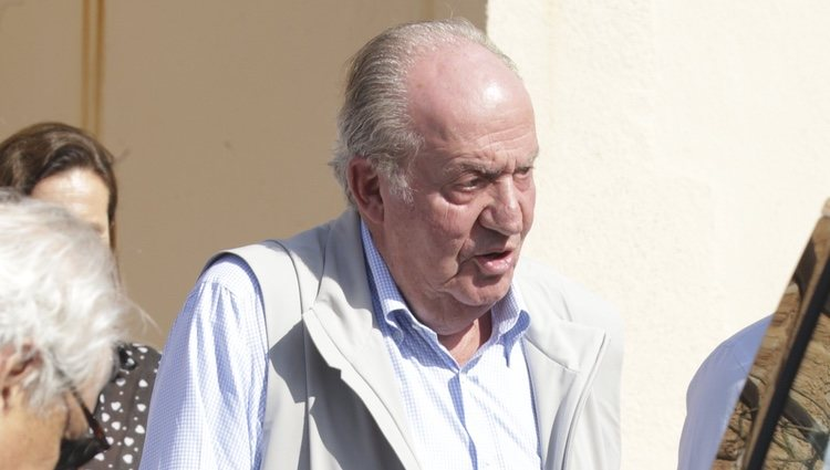 El Rey Juan Carlos visita la academia de Rafa Nadal en Mallorca