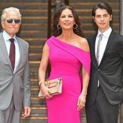 Catherine Zeta Jones recibe premio honorífico con su familia