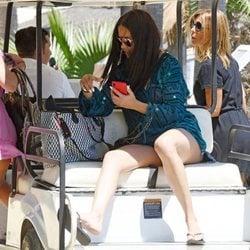 Adriana Lima descansando en Marbella
