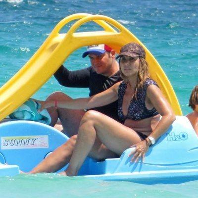 Manu Tenorio y su familia de vacaciones