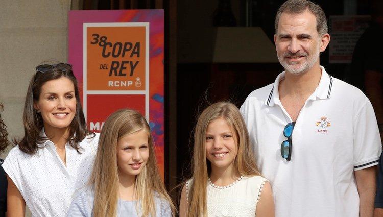 Los Reyes Felipe y Letizia, la Princesa Leonor y la Infanta Sofía en su primera aparición en sus vacaciones de verano 2019