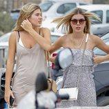 Victoria y Cristina disfrutando de sus vacaciones en Ibiza
