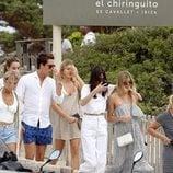 Victoria y Cristina Iglesias en Ibiza