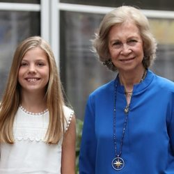 La Reina Sofía y la Infanta Sofía en el cine en Palma
