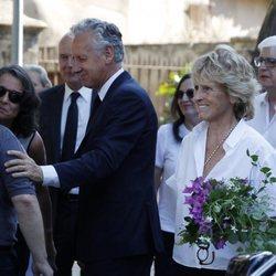 Mercedes Milá y Lorenzo Milá en el funeral de su madre