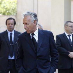 Lorenzo Milá en el funeral de su madre