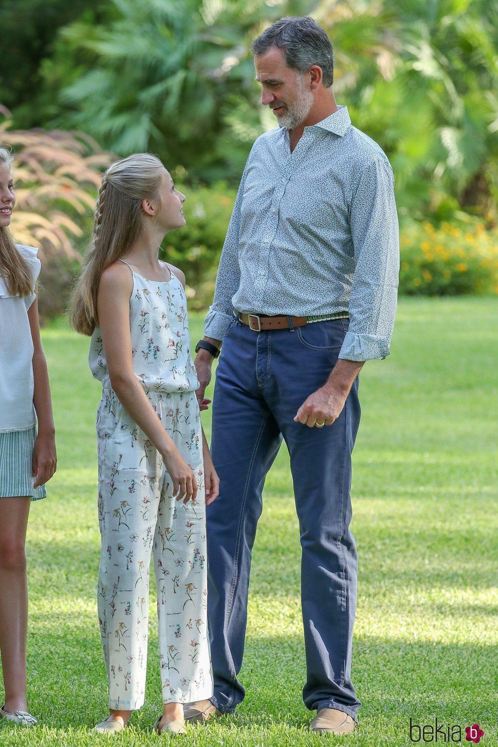El Rey Felipe y la Princesa Leonor en su posado de verano 2019 en Marivent