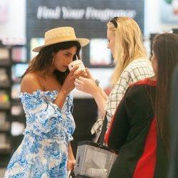 Sophie Turner y Priyanka Chopra de compras por Miami