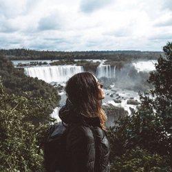 Laura Matamoros en las cataratas de Iguazú