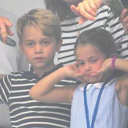 El Príncipe Jorge y la Princesa Carlota en las regatas del Rey de Cowes