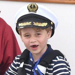 El Príncipe Jorge en las regatas de la Copa del Rey de Cowes