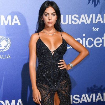 Georgina Rodríguez, espectacular en la Gala de Verano de Unicef de Porto Cervo