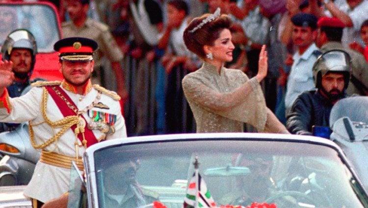Abdalá II y Rania de Jordania el día de la coronación del Rey en 1999