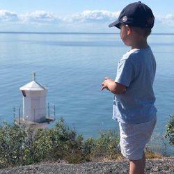 El Príncipe Oscar de Suecia en la costa de Kalmar