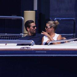 Scott Disick y Sofia Richie disfrutando de sus vacaciones a bordo del yate que alquiló Kylie Jenner para celebrar su cumpleaños