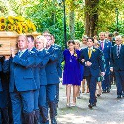 El cortejo fúnebre durante el funeral de la Princesa Cristina