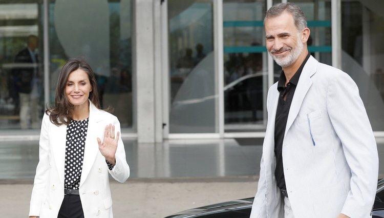 Los Reyes Felipe y Letizia, en el hospital para visitar al Rey Juan Carlos