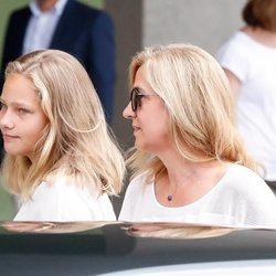 Irene Urdangarin y la Infanta Cristina visitan al Rey Juan Carlos en el hospital