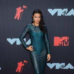 Adriana Lima en los MTV VMAs 2019