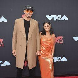 Afrojack y Elettra Lamborghini en los MTV VMAs 2019