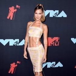 Bella Hadid en los MTV VMAs 2019