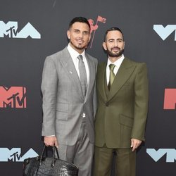 Marc Jacobs y Charly Defrancesco en los MTV VMAs 2019